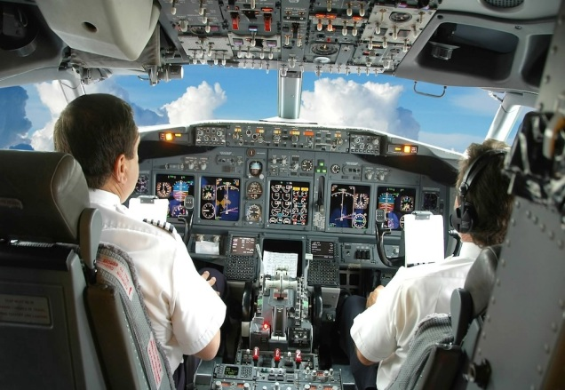 Airplane-Cockpit-With-Pilot